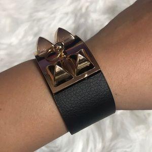 New Trendy Black and Gold Spike Bracelet